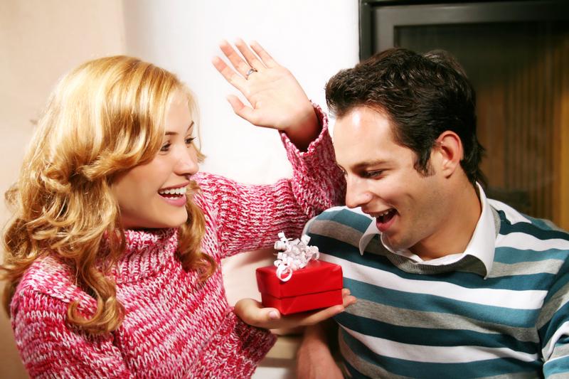 Как преподнести подарок своему возлюбленному?