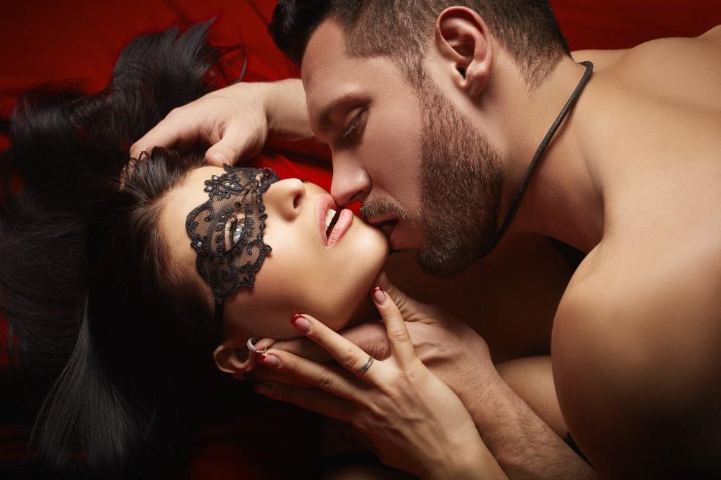 Почему мужчины любят минет больше традиционного секса