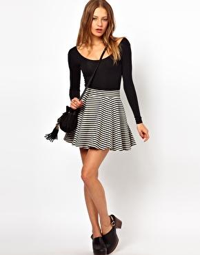С юбками