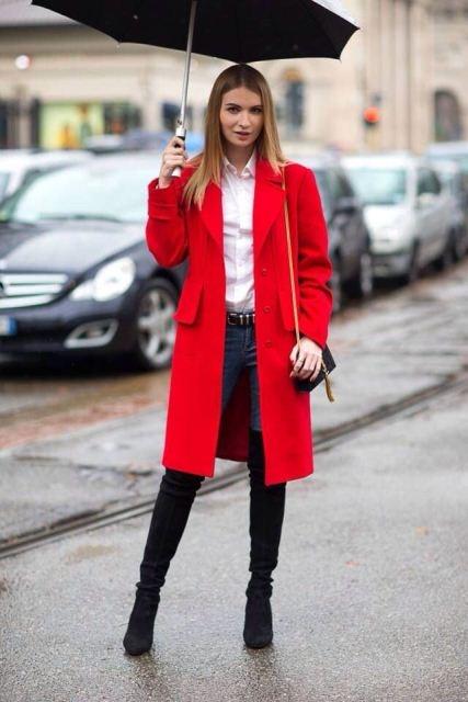 С чем носить красное пальто до колена