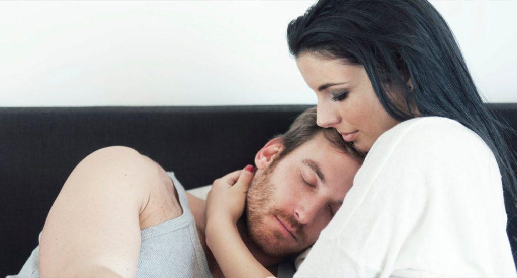 Как возбудить мужчину прикосновениями?