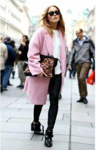 Выбор сумки к розовому пальто