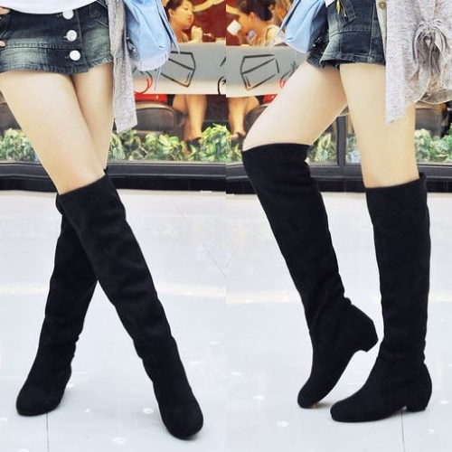 Сапоги-ботфорты на низком каблуке