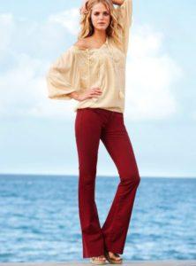 Какой фасон красных брюк выбрать?