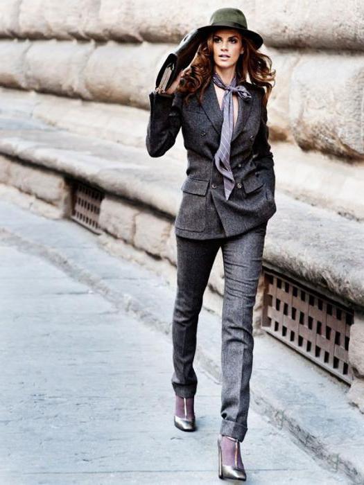 С чем носить серые брюки?