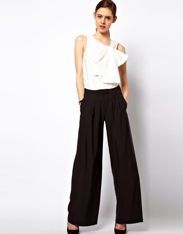 Широкие чёрные брюки