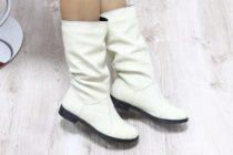 Как чистить белые кожаные сапоги?