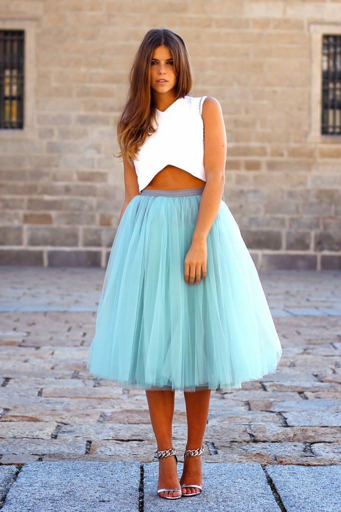 Пышная юбка на прогулке