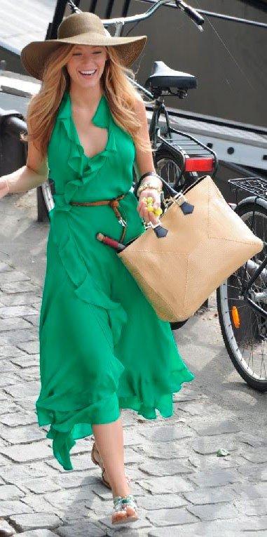 С чем же, всё-таки, носить зелёное платье