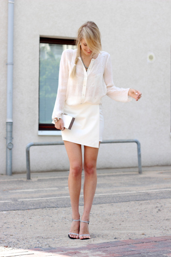Белая юбка мини
