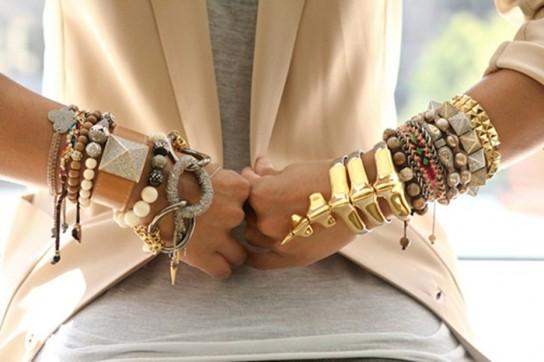 Драгоценные комплекты с браслетами