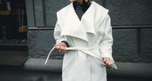 Как ухаживать за белым пальто?