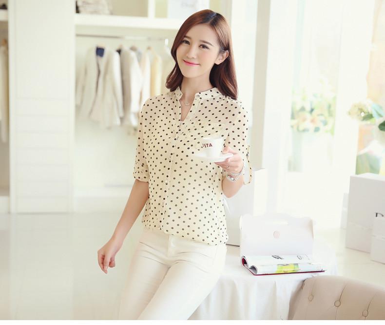 1-ый элемент базового гардероба – светлая блузка