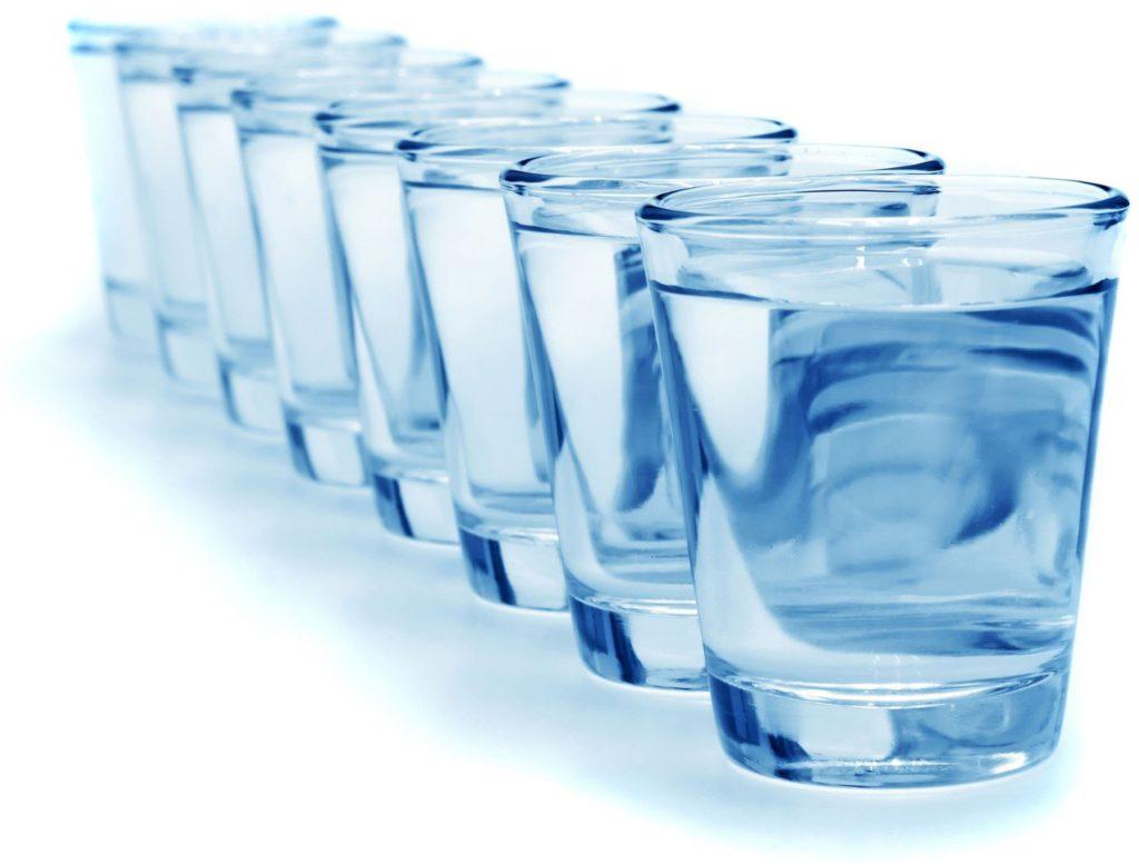 Нужно ли пить воду в процессе тренировки?