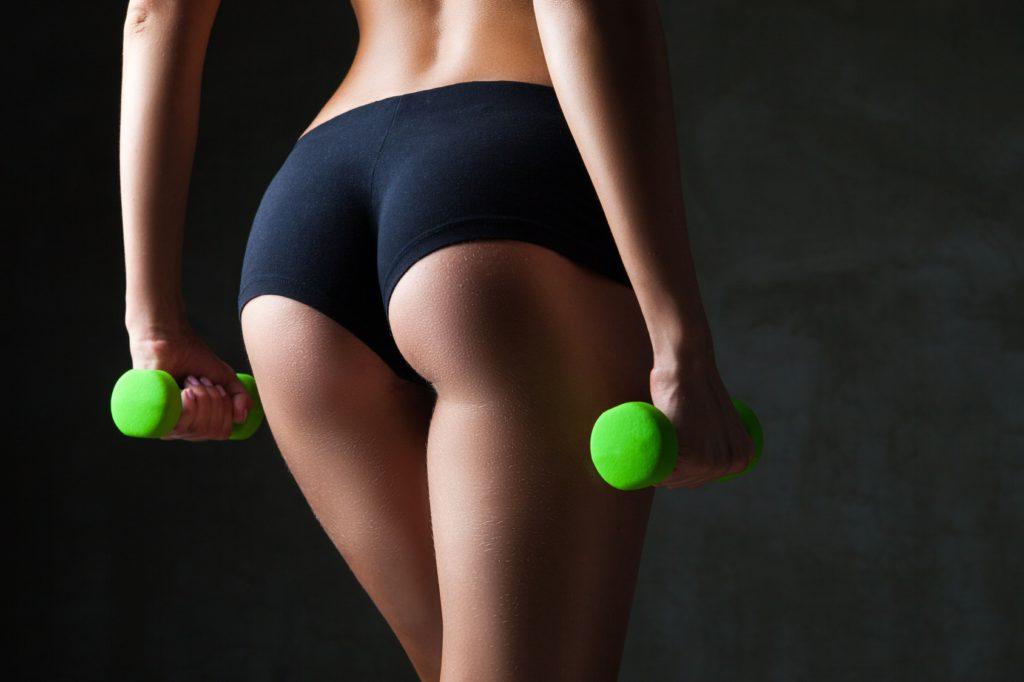 Девушка упражнение двигать попой сзади секс