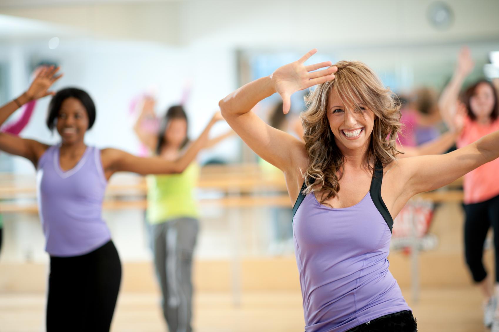 Танцы Для Похудения Уроки Зумбы. Зумба для начинающих: видео уроки (топ 20), описание программы, отзывы занимающихся