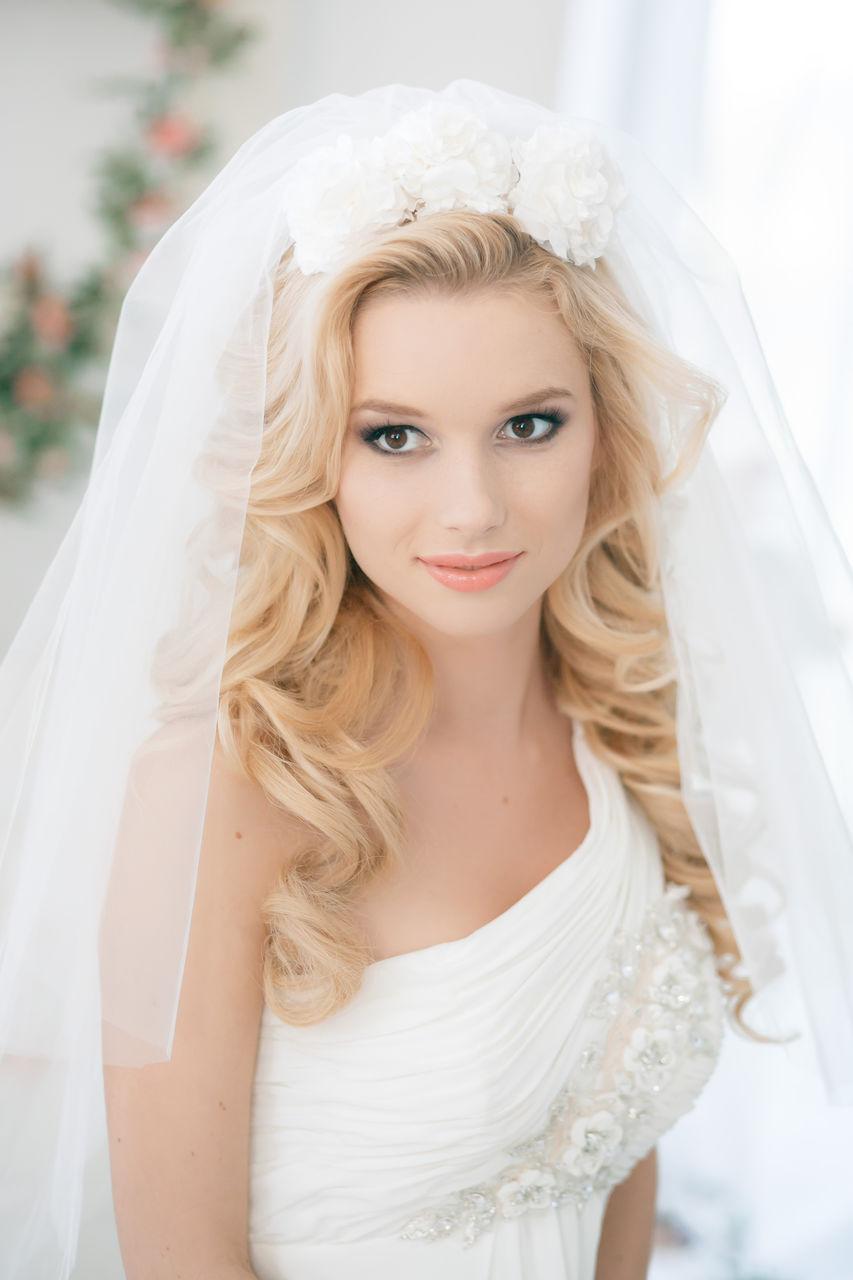 Свадебные прически с фатой Сама невинность