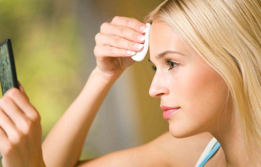 Основные принципы ухода за жирной кожей
