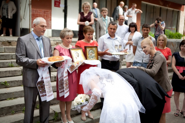 Слова как благословить дочь перед свадьбой