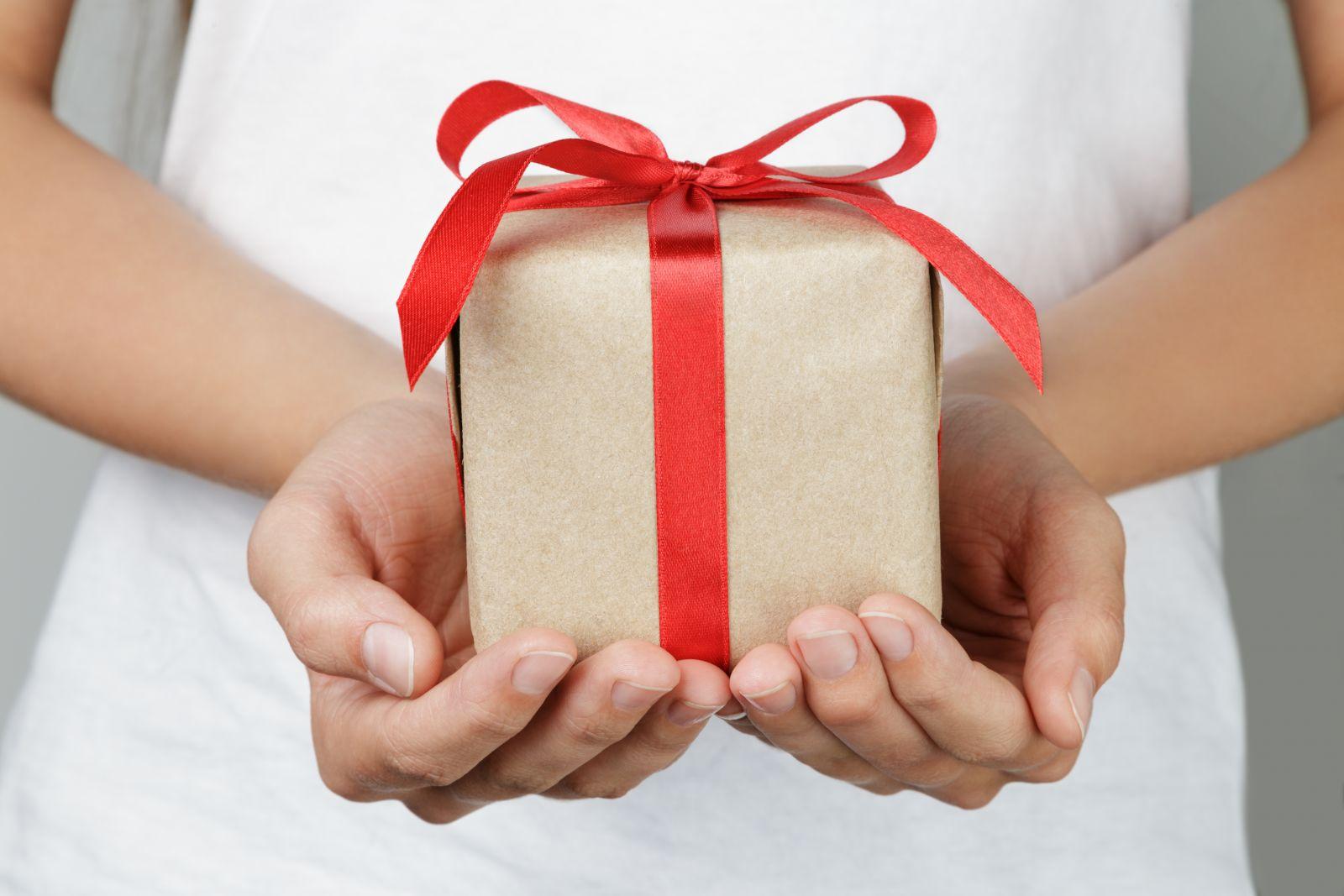 Идеи идеального подарка для любимого парня на День всех Влюблённых