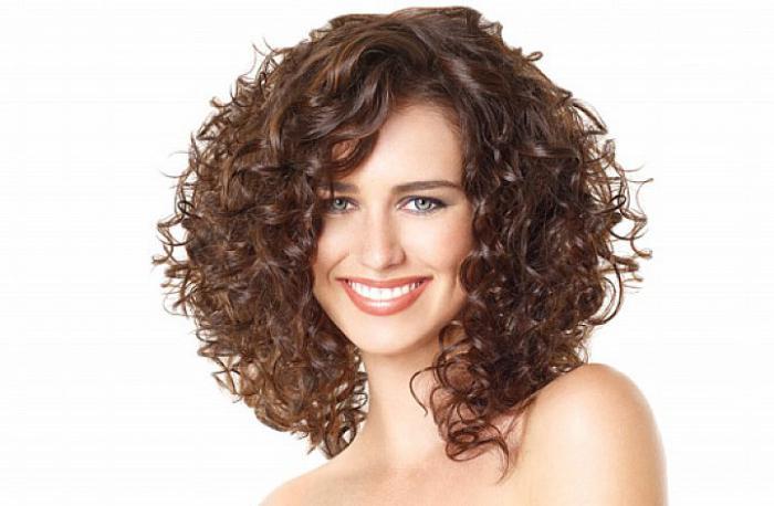 Кудрявые волосы прически стрижка