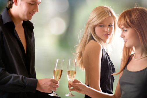 Почему дамы хотят отношения с женатым мужчиной: Советы психолога?