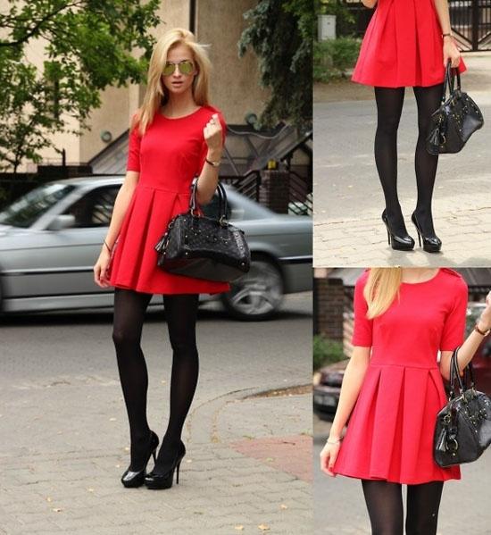 Трикотажное бордовое платье с чем носить