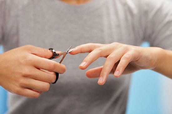 Когда проводить процедуру стрижки ногтей