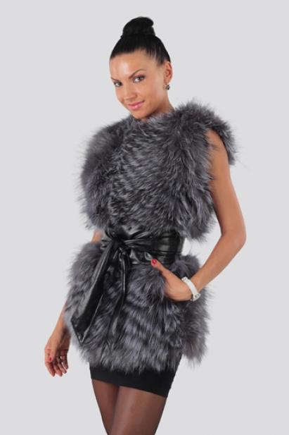С чем носить меховую жилетку из чернобурки?