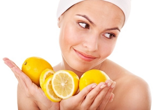 Маска с лимоном и яйцом