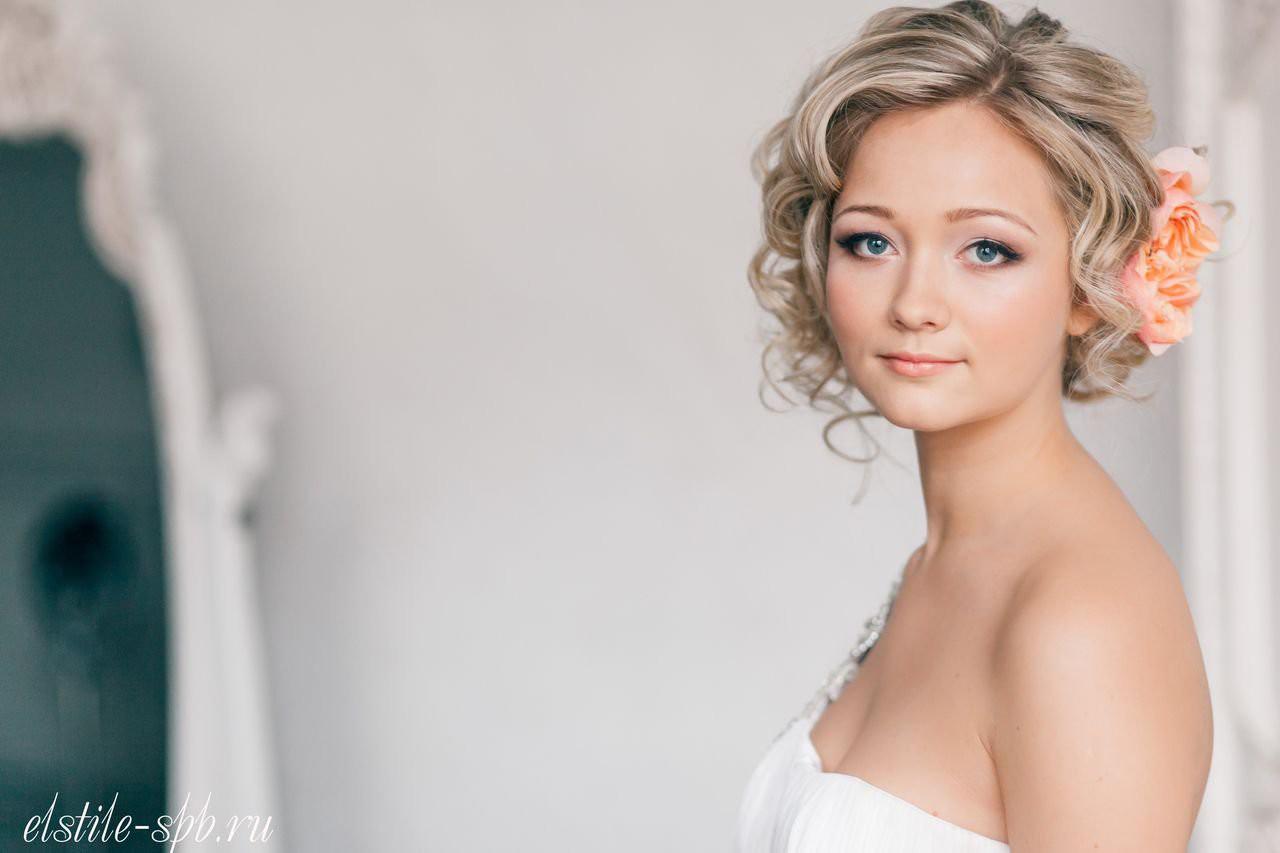 прически свадебные на средние волосы фото