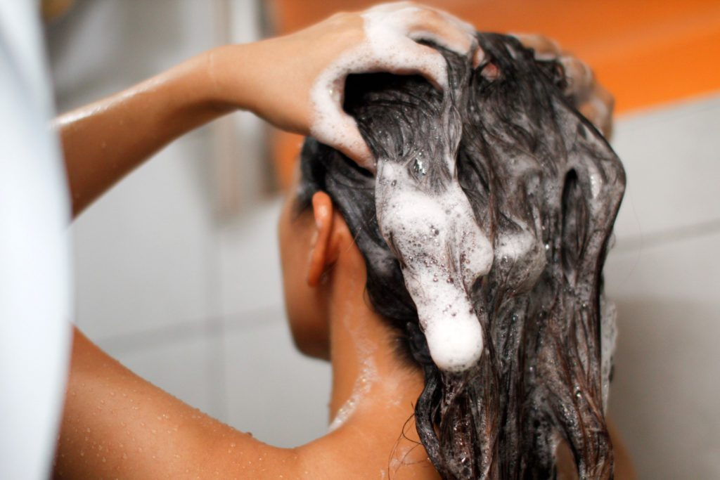 Общие правила грамотного мытья волос