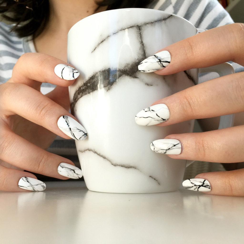 Рисунки на ногтях мрамор